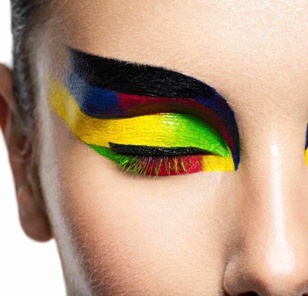 colored mascaras