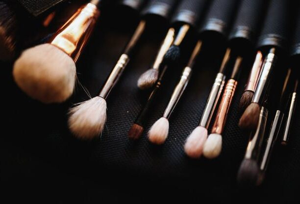 How to clean brushes and sponges