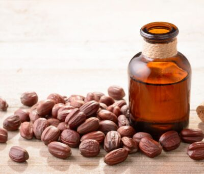 Jojoba Oil Is the Hydrator Your Skin Requires