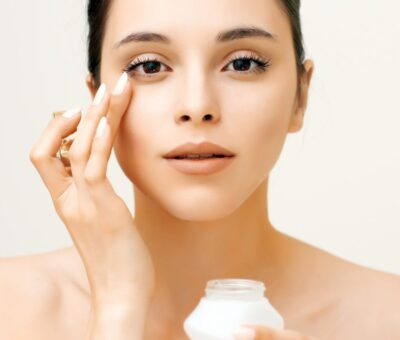 What time is the best time for using anti-eye wrinkle creams?