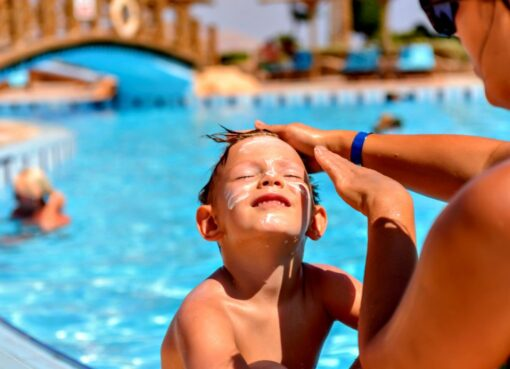 How to find a sun cream after swimming pool